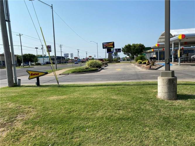 213 S AIR DEPOT ST, Midwest City, OK 73110