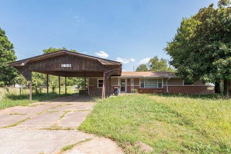 209 S 2ND AVE, Stroud, OK 74079