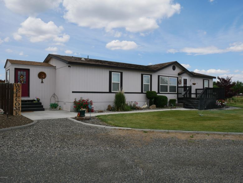 9506 N Peaceful PR NW, Prosser, WA 99350