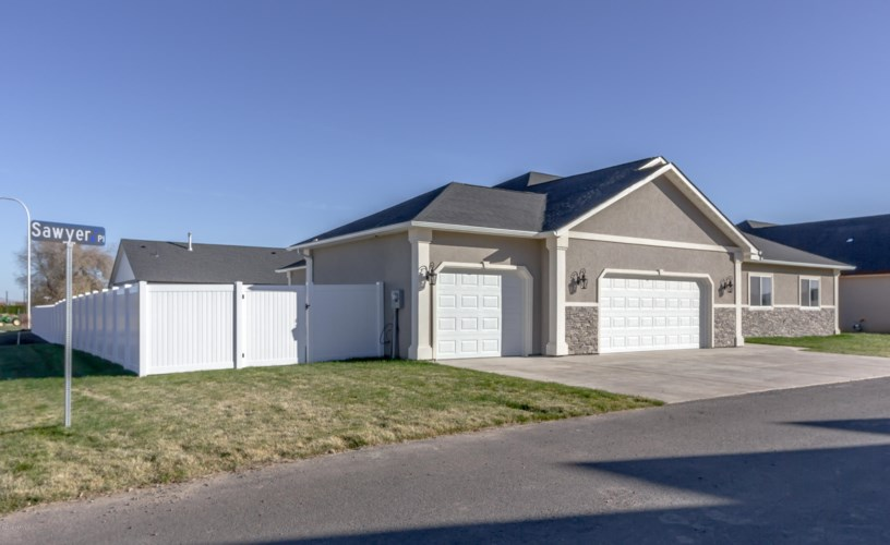 1003  Sawyer Place, Yakima, WA 98908