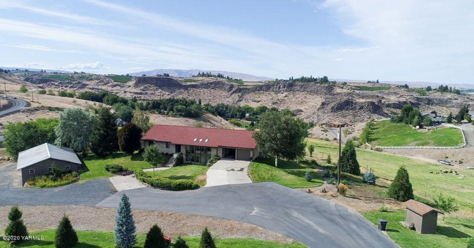 926 N Scenic Dr, Yakima, WA 98908