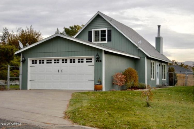 105 S 58th St, Yakima, WA 98901