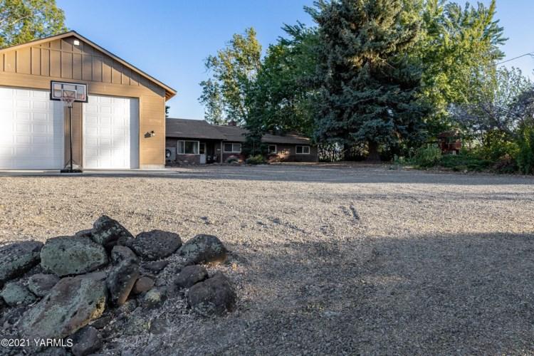 191  Bowers Rd, Yakima, WA 98908