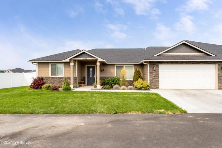 8404  Westbrook Ave, Yakima, WA 98908