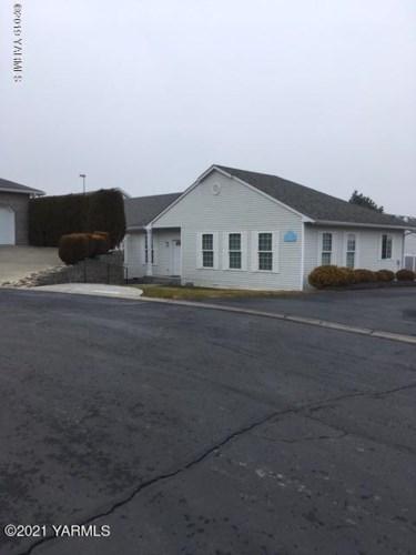 3701  Fairbanks Ave, Yakima, WA 98902