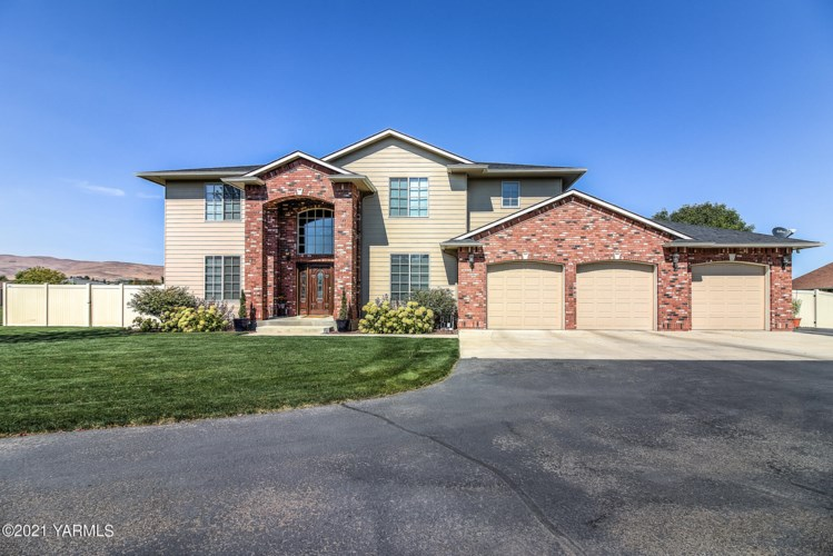 12001 W Barrett Rd, Yakima, WA 98908