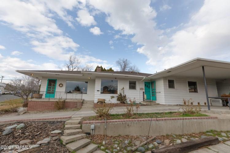 611 S 27th Ave, Yakima, WA 98902