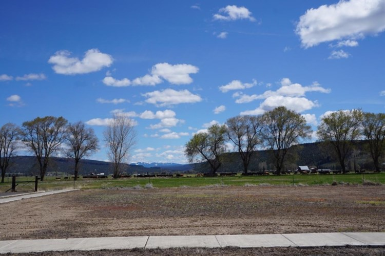 3062 SE Triangle Outfit Drive, Prineville, OR 97754