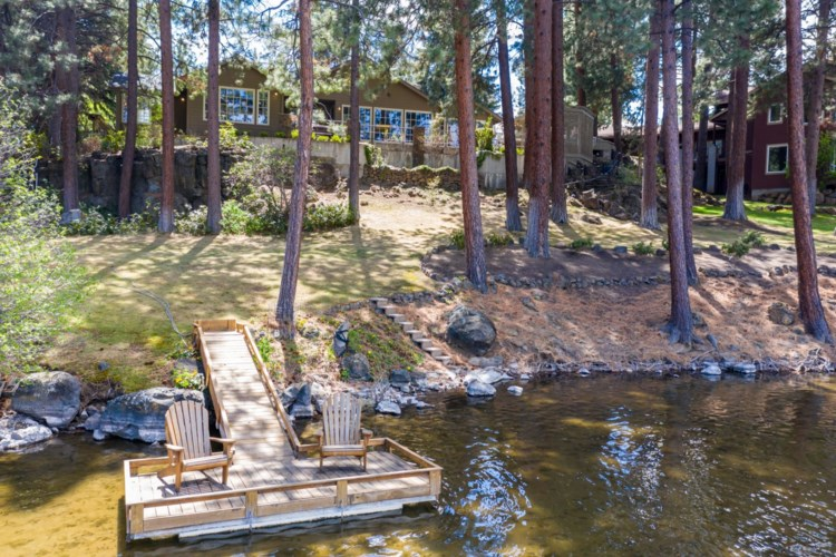 2323 NW Lakeside Place, Bend, OR 97703