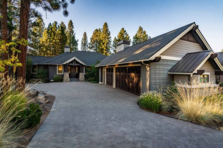 2864 NW Lakemont Drive, Bend, OR 97703