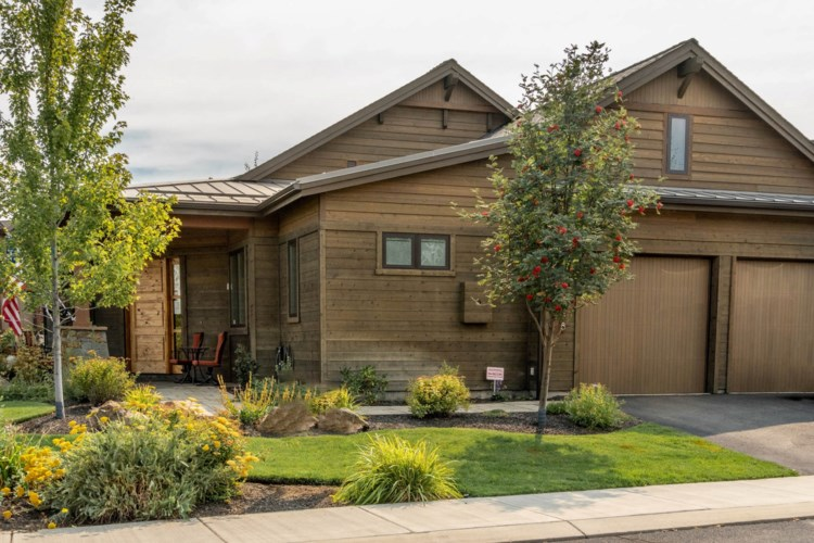 61358 Triple Knot Road, Bend, OR 97702