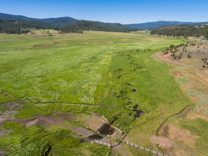 21762 Badger Creek Road, Mitchell, OR 97750