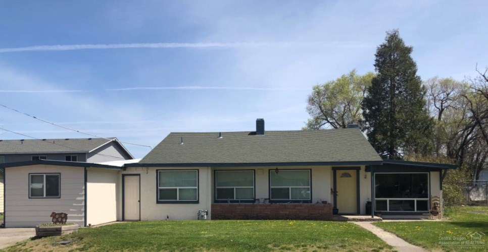 71 SW 2nd Street, Madras, OR 97741