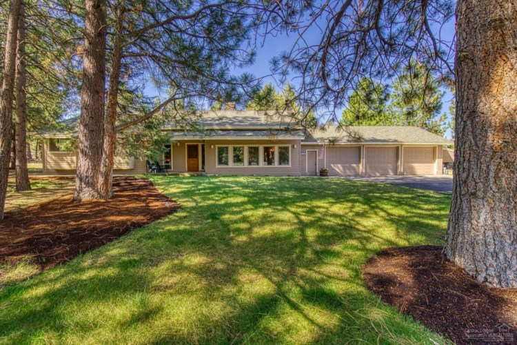 60521 Tall Pine Avenue, Bend, OR 97702