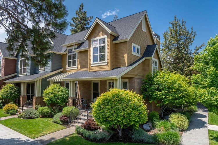 2526 NW Crossing Drive, Bend, OR 97703
