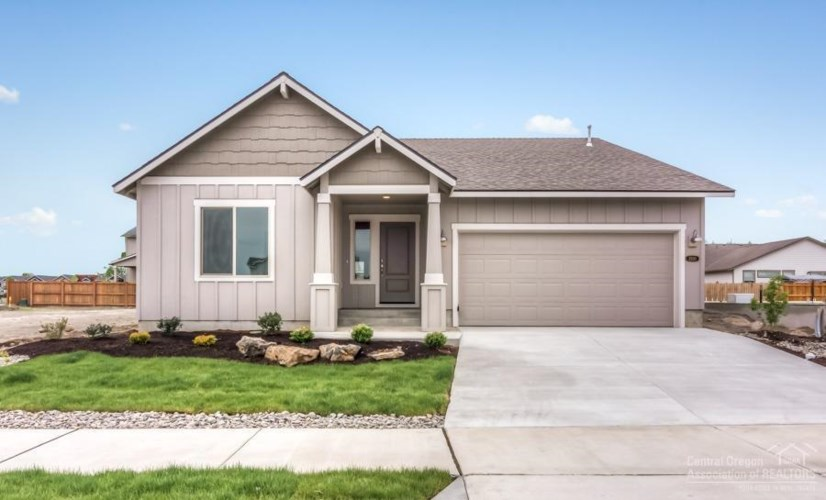 532 NW 25th Street, Redmond, OR 97756