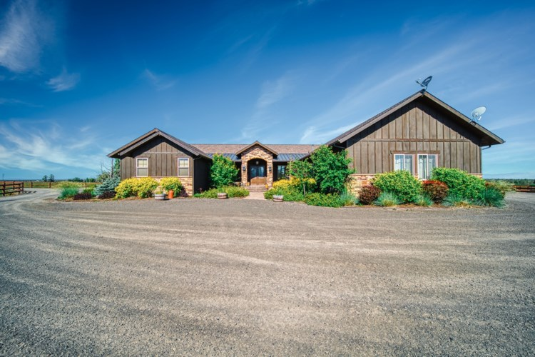 8055 SW Powell Butte Highway, Powell Butte, OR 97753