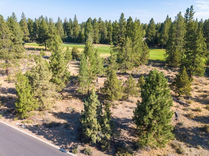 61546 Hosmer Lake Drive, Bend, OR 97702