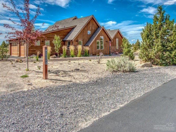 17405 SW Chaparral Drive, Powell Butte, OR 97753