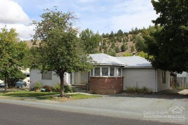 344 N HUMBOLT Street, Canyon City, OR 97820