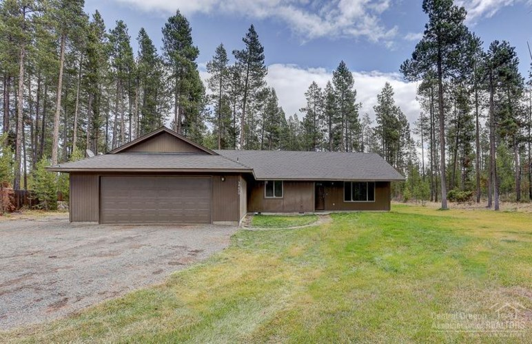54670 Wolf Street, Bend, OR 97707