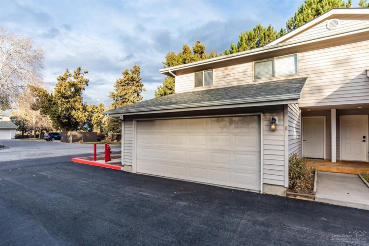 1801 NE Purcell Boulevard #8, Bend, OR 97701