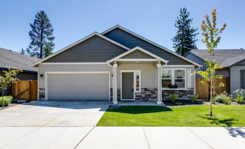 1157 W Hill Avenue, Sisters, OR 97759