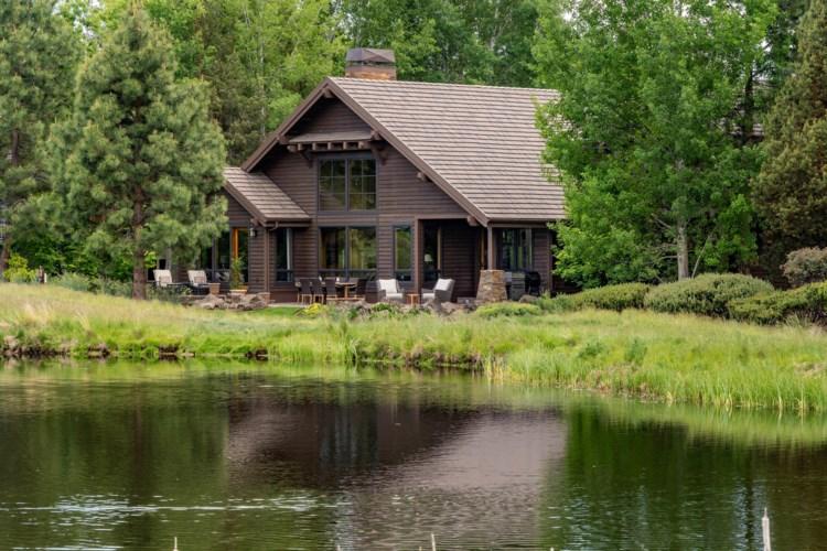 19542 Green Lakes Loop, Bend, OR 97702