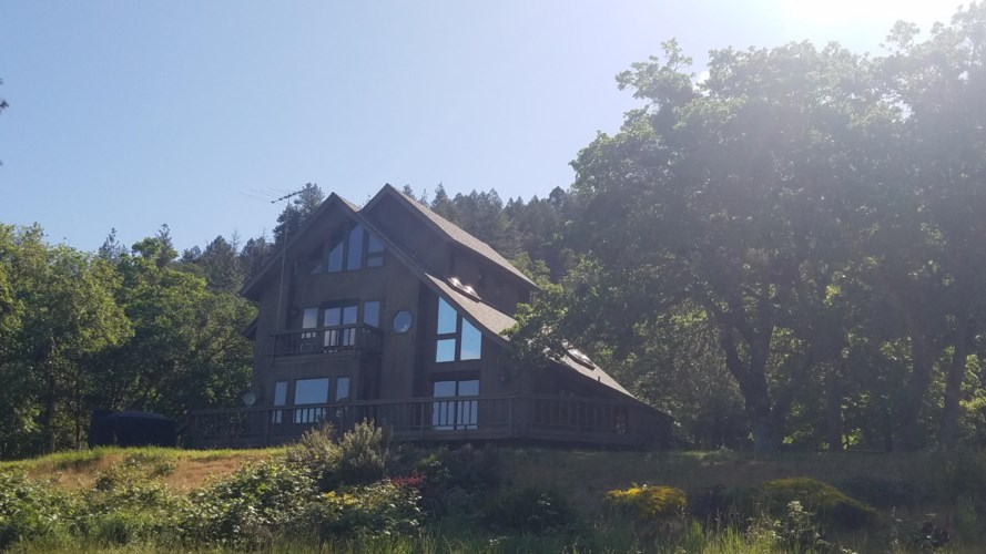 1100 Panther Gulch Road, Williams, OR 97544