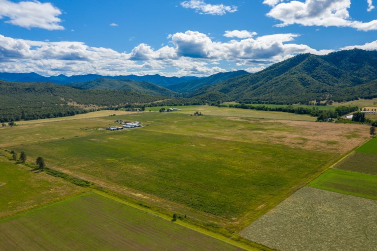 10282 Hwy 234, Gold Hill, OR 97525