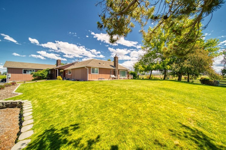 15376 SW Riggs Road, Powell Butte, OR 97753