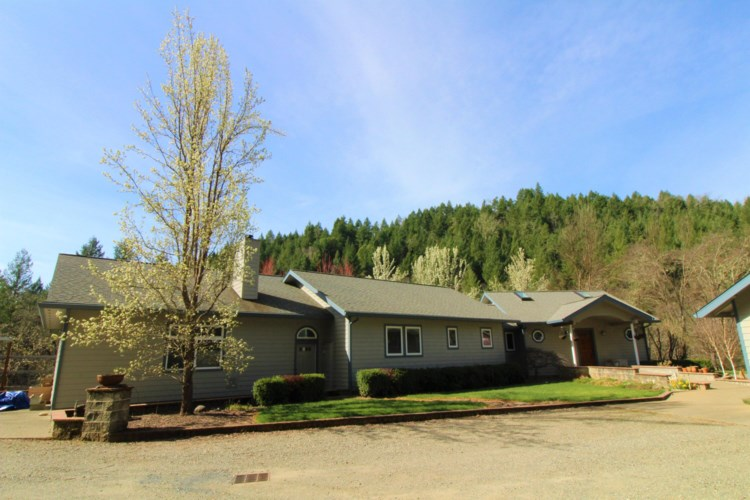 192 Firview Lane, Wilderville, OR 97543
