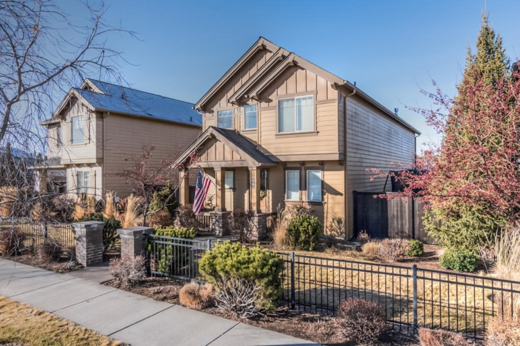 3711 NE Purcell Boulevard, Bend, OR 97701