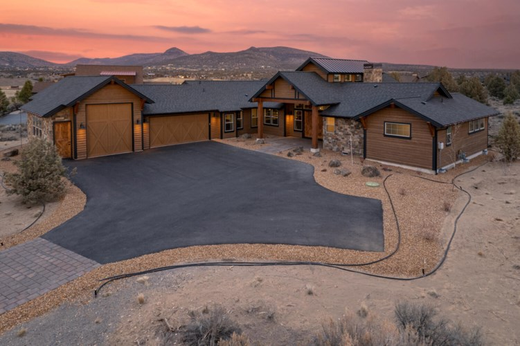 17192 SW Chaparral Drive, Powell Butte, OR 97753