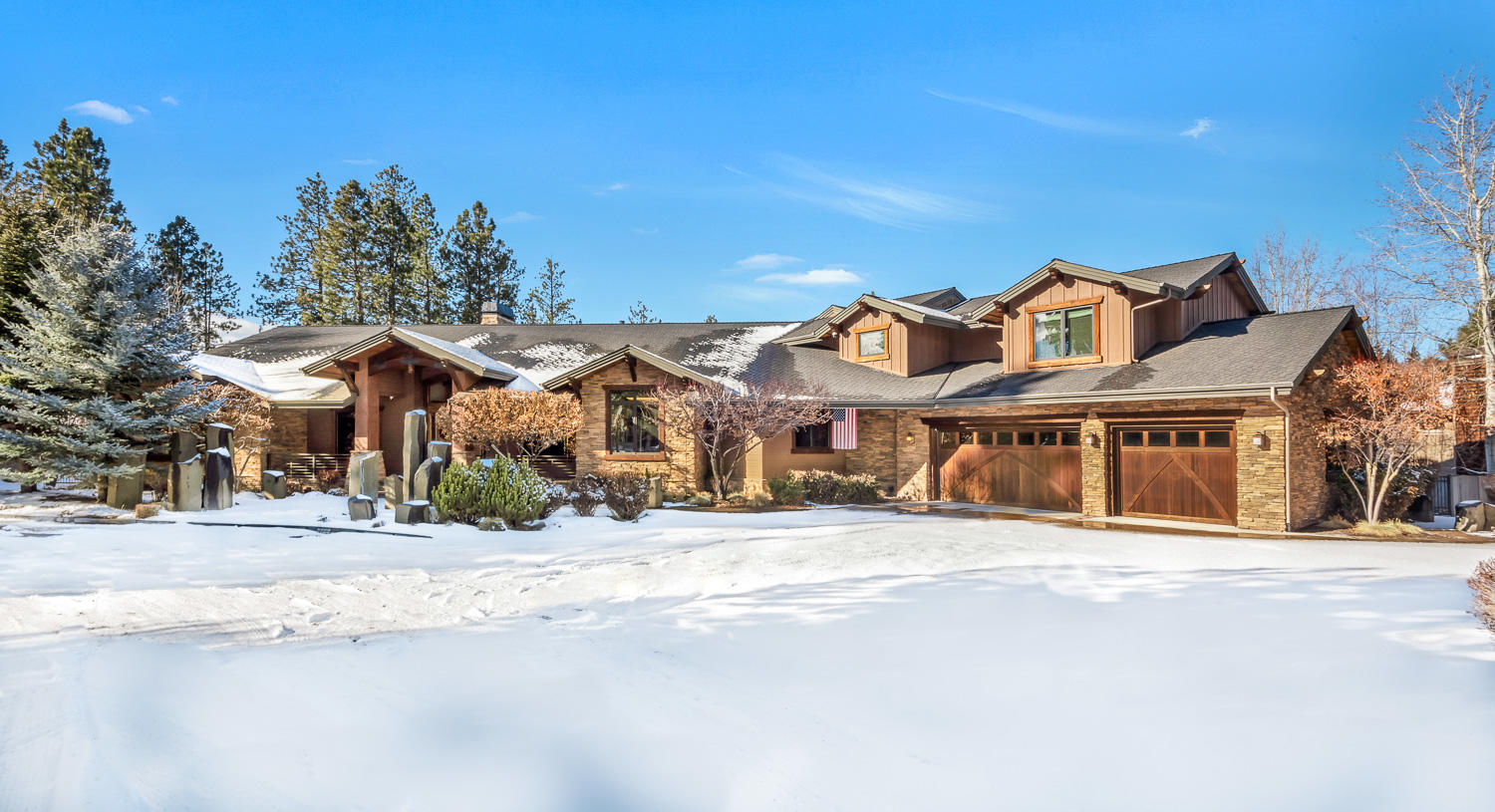 60973 Waterfront Court, Bend, OR 97702