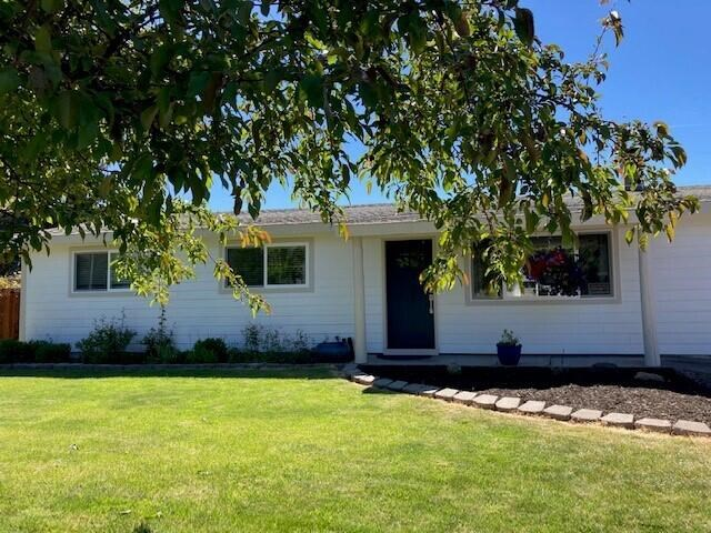 2311 NW 10th Street, Redmond, OR 97756
