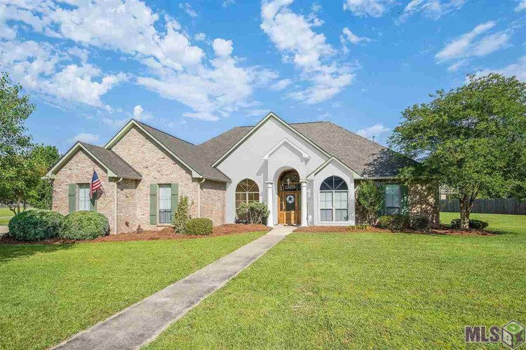22675 CARRIAGE RIDE, Zachary, LA 70791