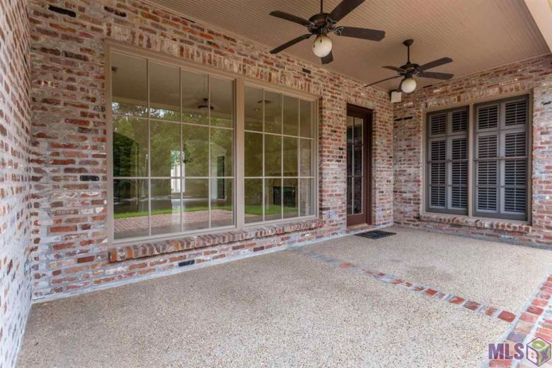17521 PECAN SHADOWS DR, Baton Rouge, LA 70810