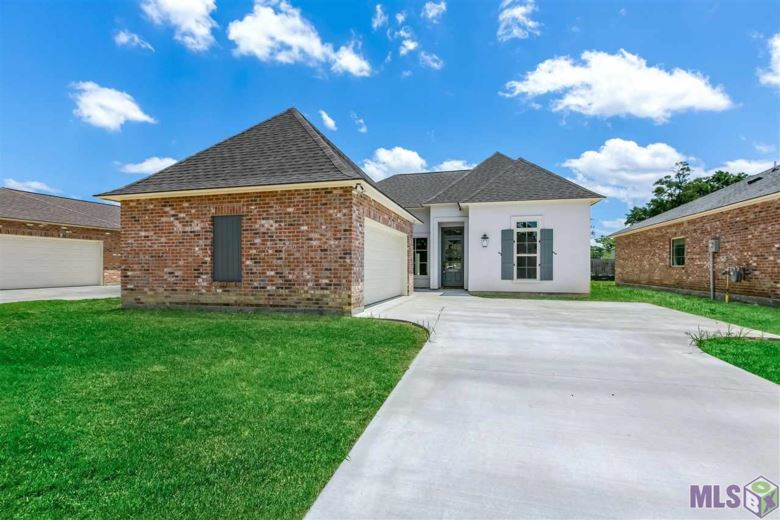 30034 SANCTUARY BLVD, Denham Springs, LA 70726