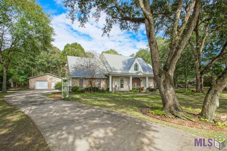18625 ARBOR OAK DR, Greenwell Springs, LA 70739