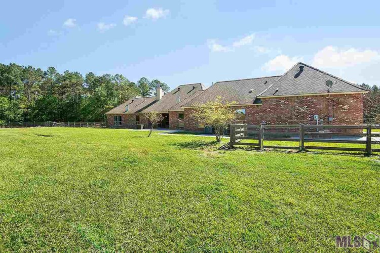 35141 WALKER RD NORTH, Walker, LA 70785