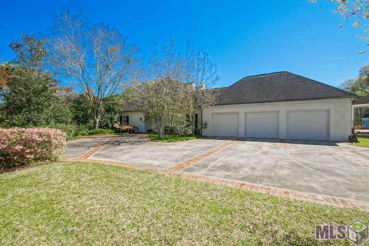 16830 CHERRY BARK DR, Baton Rouge, LA 70810