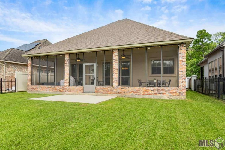 21097 WATERFRONT EAST DR, Maurepas, LA 70449