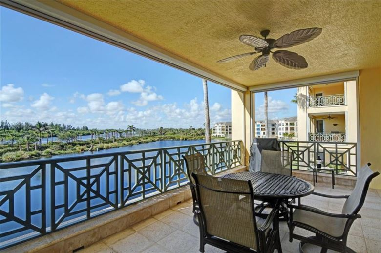 9019 Somerset Bay Lane  #302, Vero Beach, FL 32963