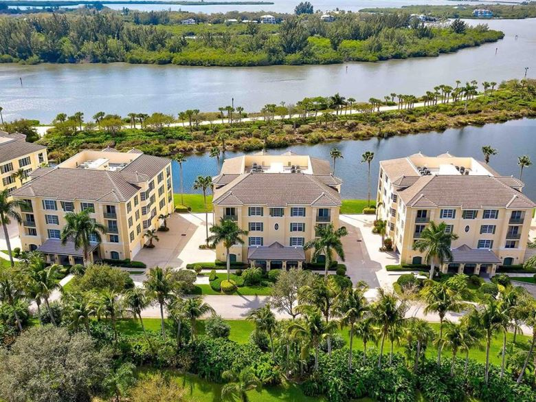 9019 Somerset Bay Lane  #202, Vero Beach, FL 32963