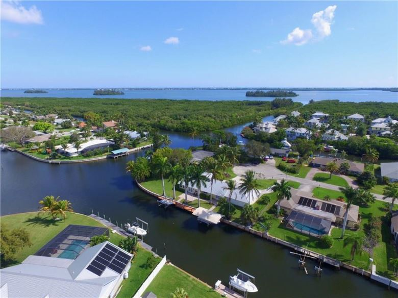 2203 6th Avenue SE, Vero Beach, FL 32962