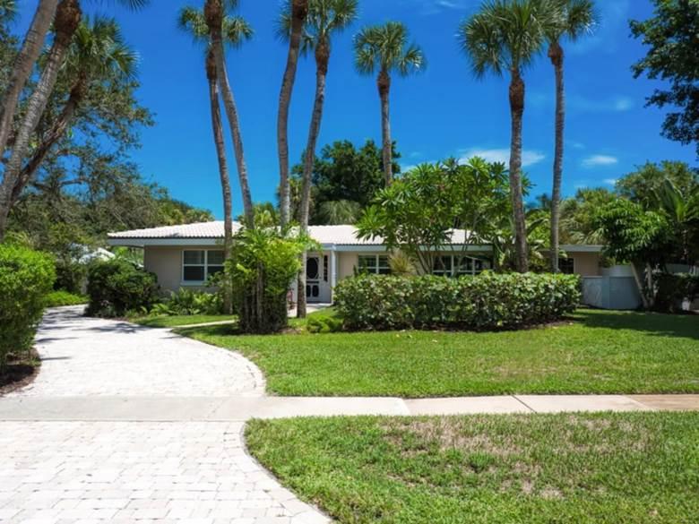 765 Cypress Road, Vero Beach, FL 32963