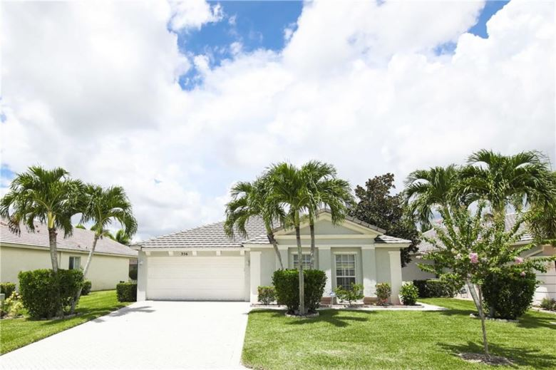 356 Lake Forest Way, Port St. Lucie, FL 34986