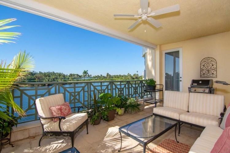 9025 Somerset Bay Lane  #201, Vero Beach, FL 32963