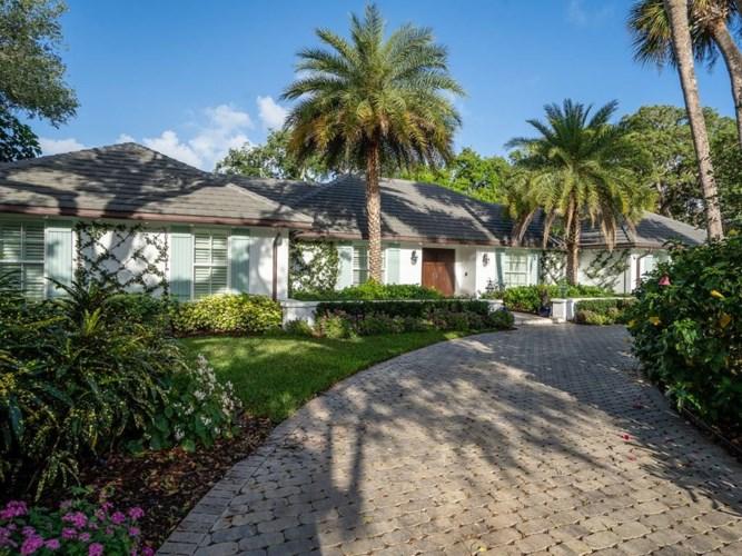 1941 Club Drive, Vero Beach, FL 32963